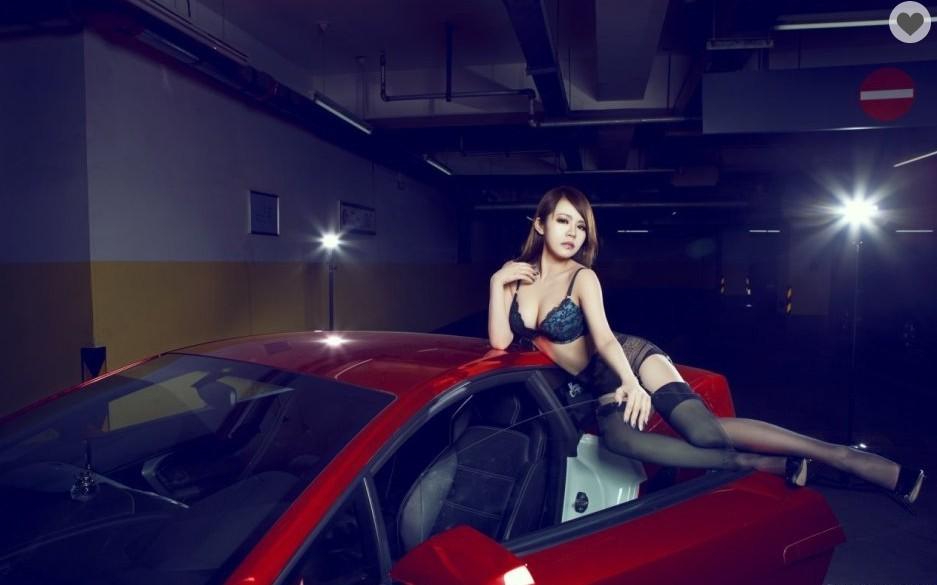 燃烧寂寞 妖冶性感女王钟情兰博基尼跑车 16张 高清图片