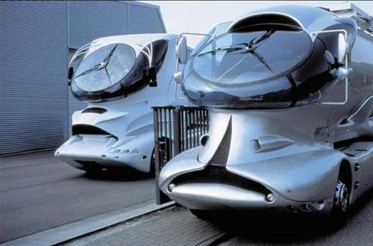 国际设计大师卢吉·科拉尼设计的怪头卡车