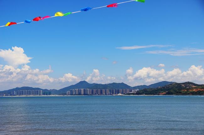 中午夏季风景图片