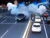 路虎行驶中发生爆炸 车门板被炸飞