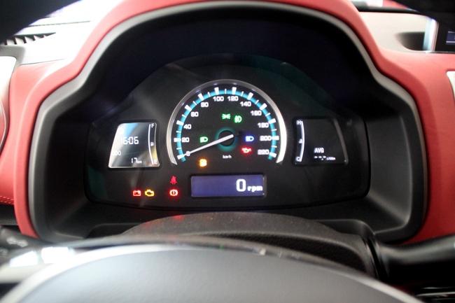 瑞风04年车发动机转速表电路图